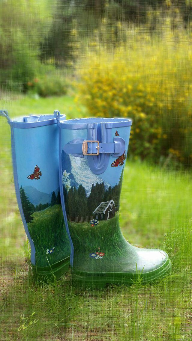 #rainboots