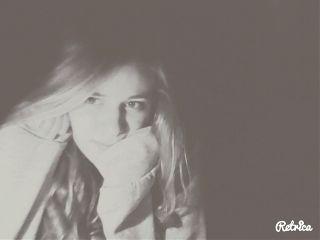 blackandwhite girl selfie love people